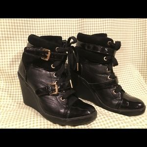 MICHAEL KORS high tops wedge patent cap toe shoes
